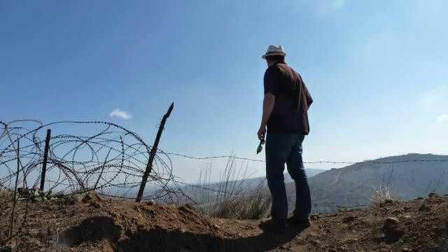 Artikkelforfatteren på grensen til Syria.